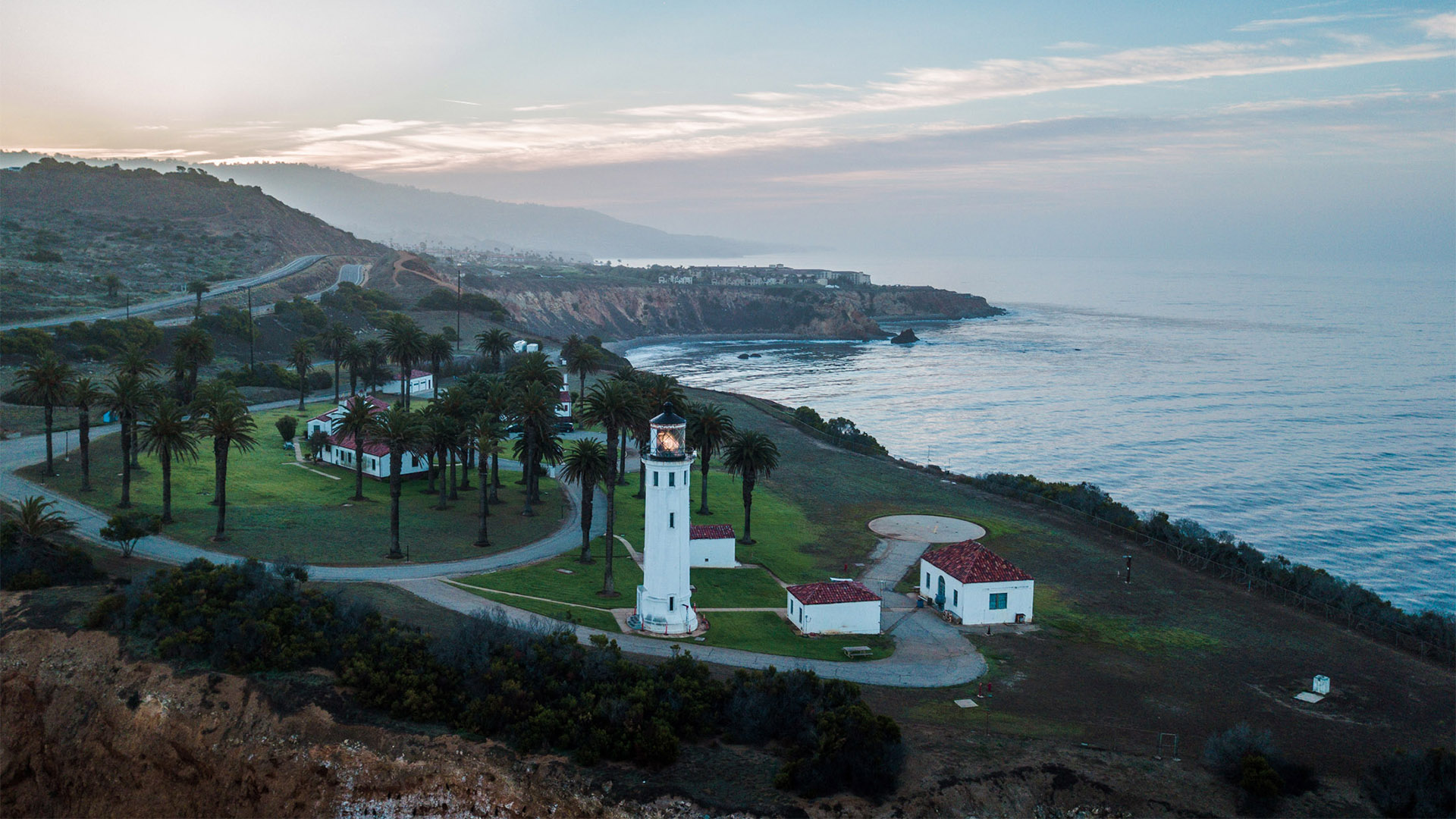 Point Vicente Lighthouse by @tdangphoto